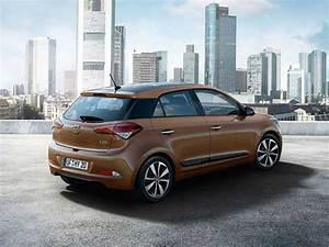 Hyundai I20 2016 : 2016 hyundai i20 i20 active gets dual airbags as standard drivespark news ~ Medecine-chirurgie-esthetiques.com Avis de Voitures