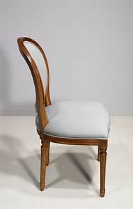 Chaise Louis Xvi : chaise emeline en merisier massif de style louis xvi suedine gris clair meuble en merisier massif ~ Teatrodelosmanantiales.com Idées de Décoration