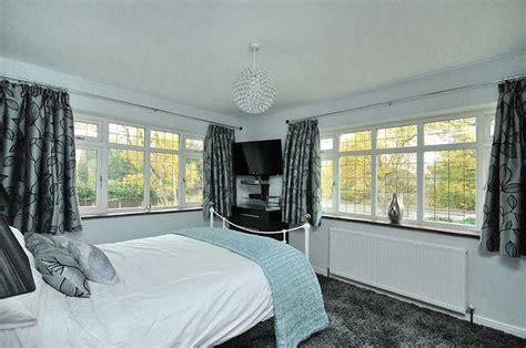 Grey Bedroom Carpet Uk by Grey Silver Bedroom Design Ideas Photos Inspiration