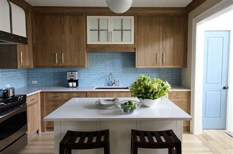 The backsplash makes a understated statement.   Dreamy