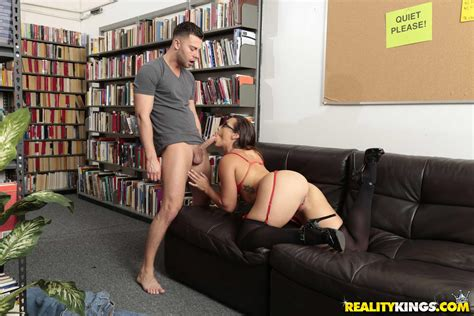 Sexy Librarian Kelsi Monroe Gives Hot Sex In The Library
