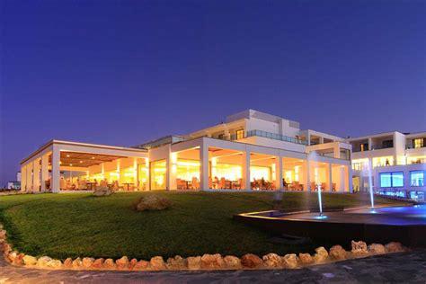 Kresten Royal Villas & Spa  Going Luxury. Regina Apart. Panorama Regency Hotel. Face Boutique Hotel Beijing. Hotel Antares. The Pink Mansion Hotel. Alpenwellnesshotel Gasteigerhof. Schloss Diedersdorf Hotel. Bay Hotel