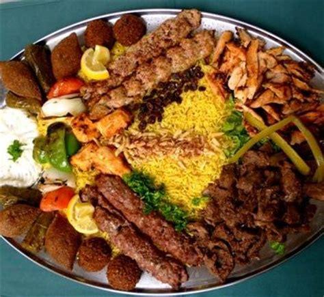arabian cuisine food platters middle eastern food