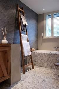 Salle De Bain Italienne Leroy Merlin : le carrelage galet pratique rev tement pour la salle de bain ~ Melissatoandfro.com Idées de Décoration