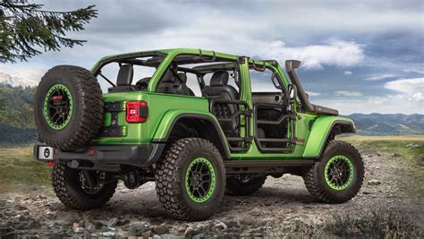 2018 jeep wrangler lifted jeep unveils over 200 accessories for the 2018 wrangler