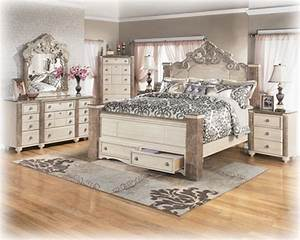 Antique White Bedroom Furniture | Raya Furniture