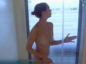 Doute  nackt Kristen Topless Kristen
