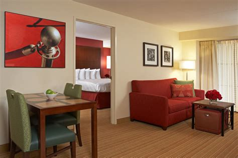 2 bedroom suites in los angeles small arm chair
