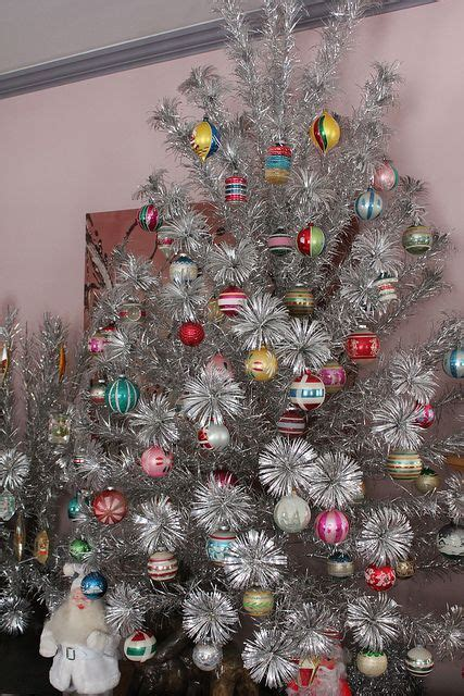 silver christmas tree decor ideas digsdigs