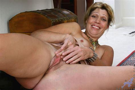 freshest mature women on the net featuring anilos rosetta free mature moms