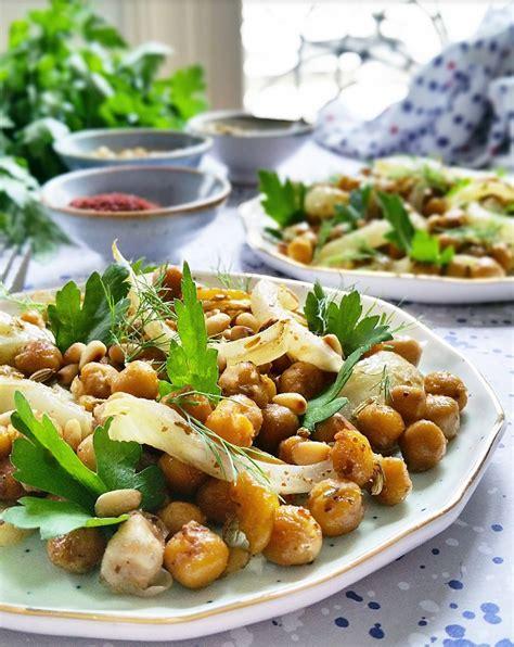 cuisiner des pois chiches salade de pois chiches fenouil bulbe et graines r 244 ties