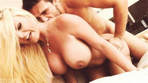 big boobs hanging on a blonde porn pic eporner