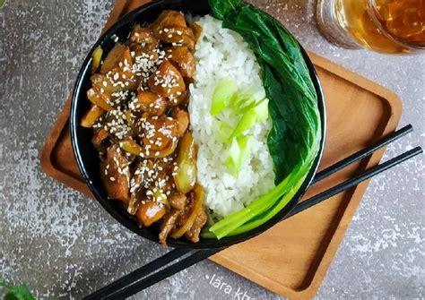 Tuang saus tiram, saus teriyaki, dan beri merica bubuk. Resep Ayam Teriyaki Hokben - ANEKA RESEP MAK-NYUSSS
