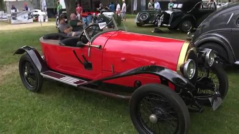 1923 the type 32 was nicknamed the tank by the press because of its resemblance to the tanks used in the first world war. 1923 Bugatti T23 Brescia - YouTube