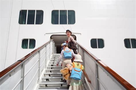 children family cruise ships are you putting their lives at risk