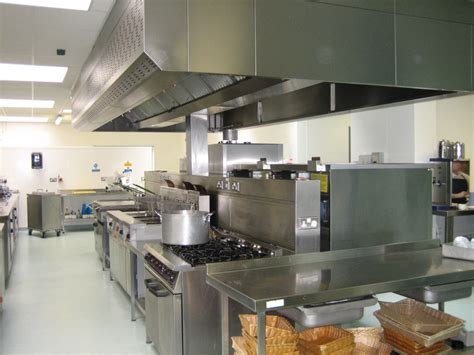 equipement cuisine commercial the best restaurant kitchen design kitchen design ideas