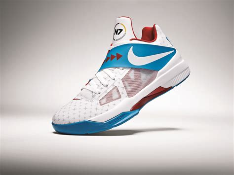 kevin durant unveils   nike  zoom kdiv nike news