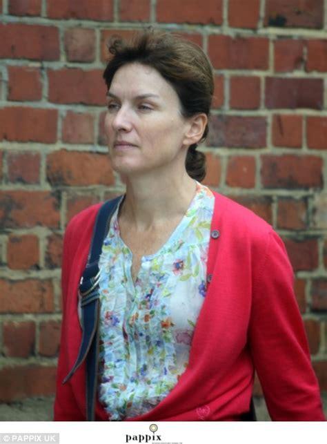 Raising eyebrows: Fiona Bruce the natural reveals enviably ...