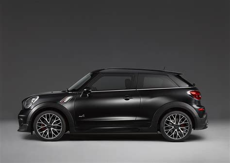 Frozen Black Mini John Cooper Works Paceman 2