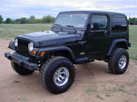 jeep wrangler simple  nice black paint lifted big