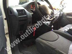 Obd2 Connector Location In Peugeot Expert  2007