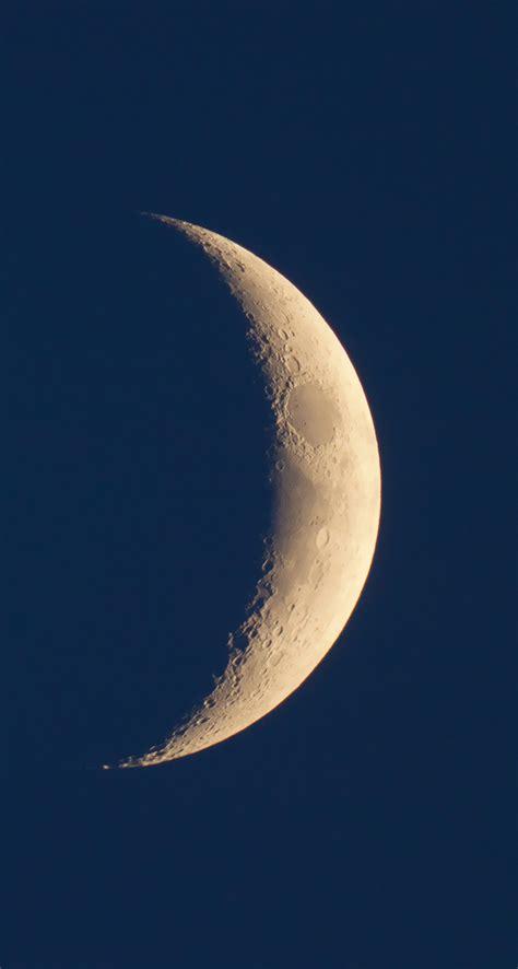 crescent moon iphone our crescent moon iphone se wallpaper iphone