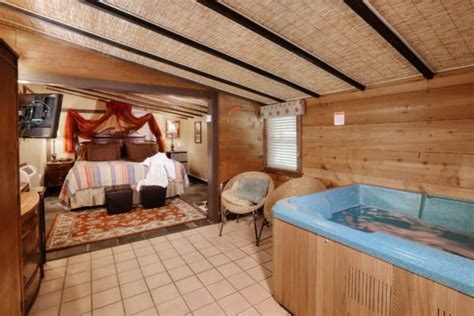 Hotel Jacuzzi Suites From Las Vegas To Chicago