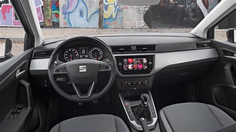 seat arona  se technology  review car magazine