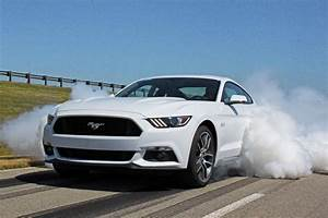 New 2015 Ford Mustang Specs: EcoBoost Gets 310 HP, Weighs 3,532 LBS, More