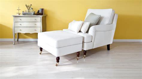 petit canapé d angle cuir fauteuil blanc élégant et design westwing