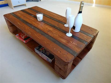 Euro Pallet Coffee Table With Wheels  101 Pallet Ideas