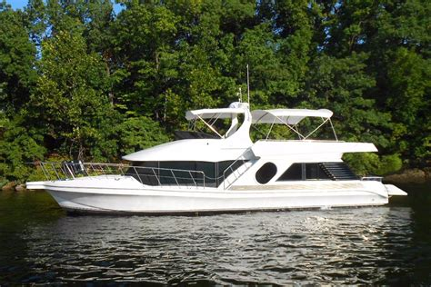 Bluewater Yachts Boats For Sale by 2002 Bluewater Yachts 5200 Le Custom Power Boat For Sale