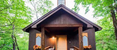 Oak Crest Cottages by Eureka Springs Wedding Venues
