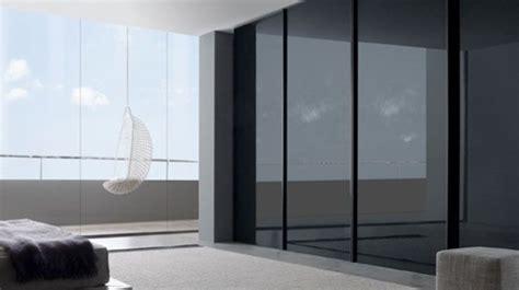 comment installer un dressing dans une chambre porte coulissante placard à galandage en applique en verre côté maison