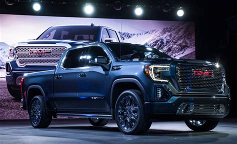 GMC 2019 : 2019 Gmc Sierra Debuts With A Bold New Look
