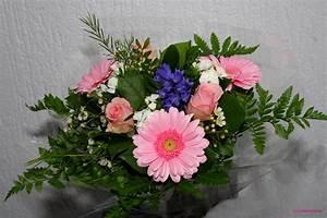 Bilder Von Blumenstrauß : blumenstrau zum geburtstag foto bild gratulation und feiertage geburtstag blumenstr u e ~ Buech-reservation.com Haus und Dekorationen