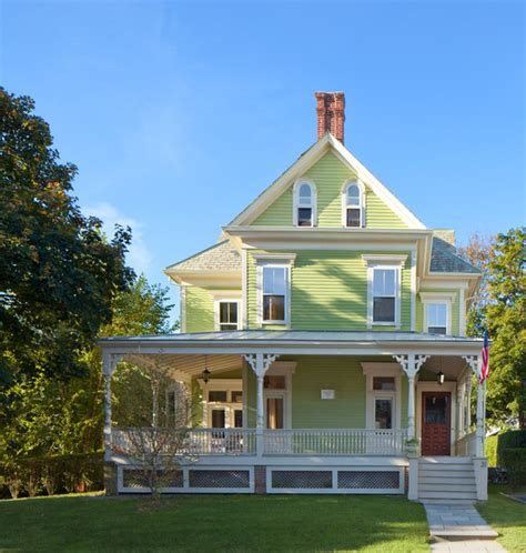 Newport Victorian   Victorian   Exterior   Providence   by Anthony Crisafulli Photography
