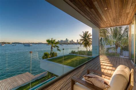 Lavish Contemporary Miami Residence With A Coastal Flavor