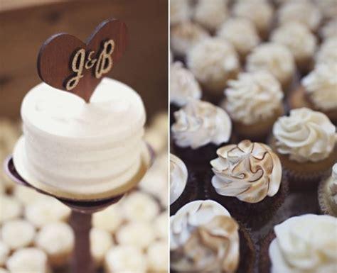 rustic maryland lodge wedding sarah culver photography wedding cakes  cupcakes wedding