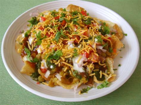 indian chaat cuisine masala puri ragda puri how to masala puri chaat