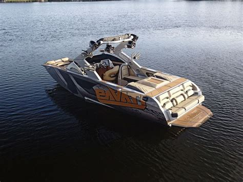 Best Ski And Wakeboard Boats by Best 25 Wakeboard Boats Ideas On Ski Boats