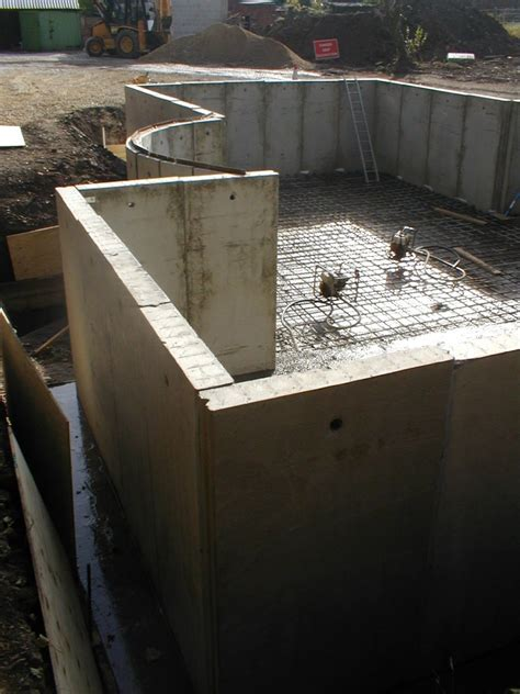 Precast Concrete, Cantilever Panels, Tanks, Retaining Walls