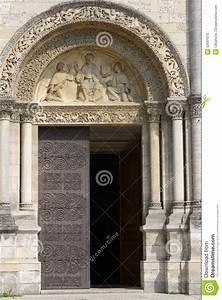Seat Angouleme : entrance to angouleme cathedral editorial image image 52061515 ~ Gottalentnigeria.com Avis de Voitures