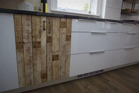 recouvrement armoire de cuisine déco cuisine rustique moderne