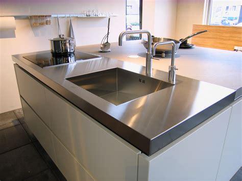 plan pour fabriquer un ilot de cuisine éviers et égouttoirs soudé dans un plan de travail inox