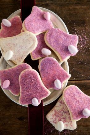 Paula deen's sweet tooth is takin' over as she whips up some sweet treats. Paula Deen Christmas Cookie Recipes   Christmas Cookies