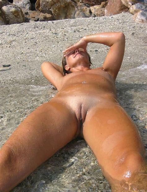 Nude Girls On The Beach Thread Page Yellow Bullet