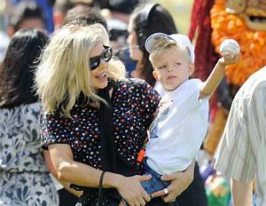 OMG Fergie took her 2-year-old son Axl to his first ...