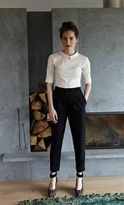 outfit chemise blanche femme With quelle couleur avec le bleu marine 1 comment porter le pantalon carotte nos conseils en photos
