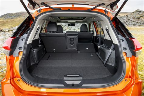 nissan  trail boot space size seats  car